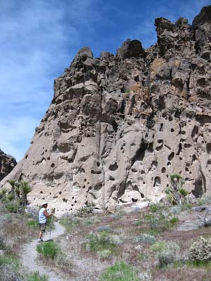 Hole-in-the-Wall, Mojave