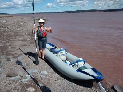 kayak at Hopewell Rocks
